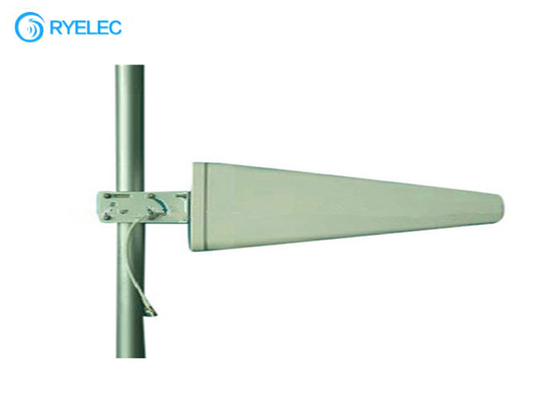 12dbi 698-2700MHz Frequency Band 4G LTE Antenna Log Periodic Hold In Pole